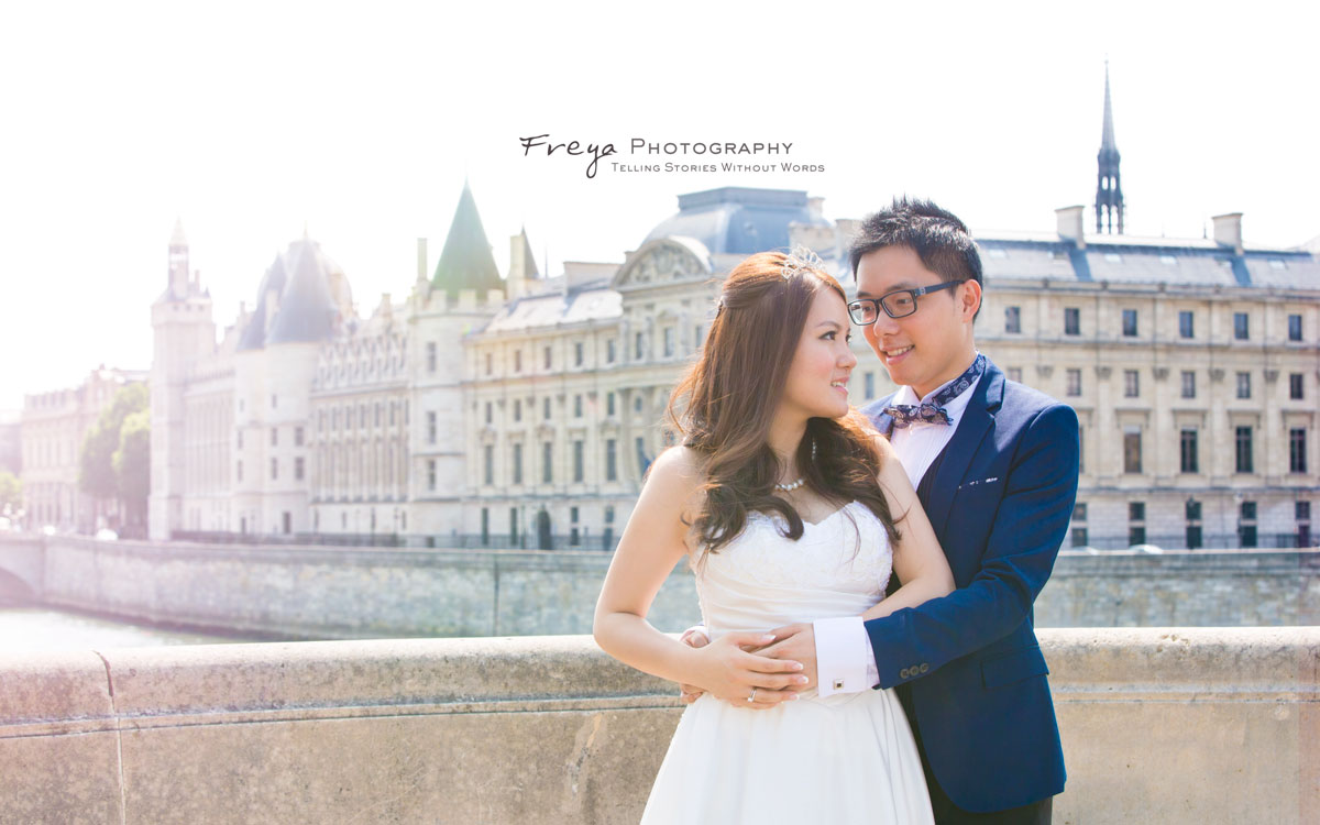 pre-wedding photos in Paris, France